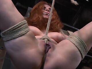 Tortured Mädchen Getting Arsch TORTURISER